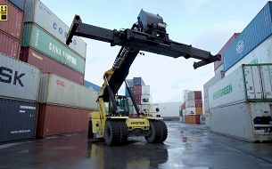 ACFS chose Hyster for their adaptability and versatility