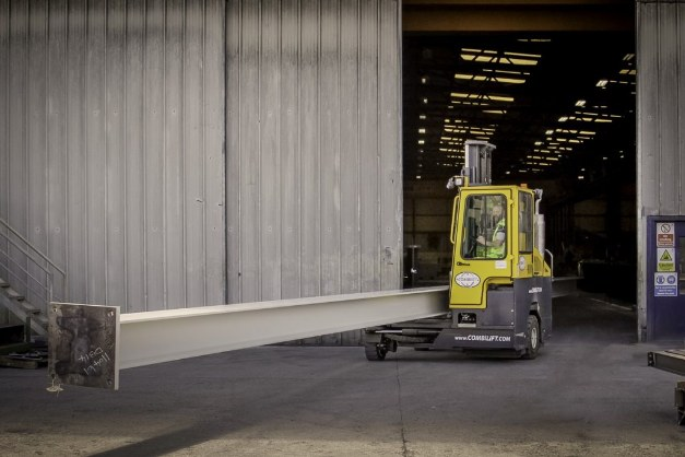 Combilift CB Narrow Doorway