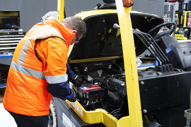 Forklift breakdown maintenance