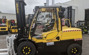 Forklift Safety Precautions for Operating in the Rain