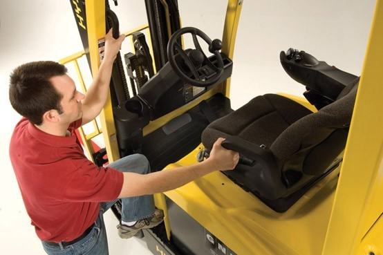 Forklift safety tips 3 point entry