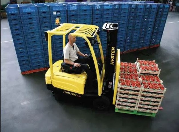 Hyster battery electric counterbalance forklift handling food