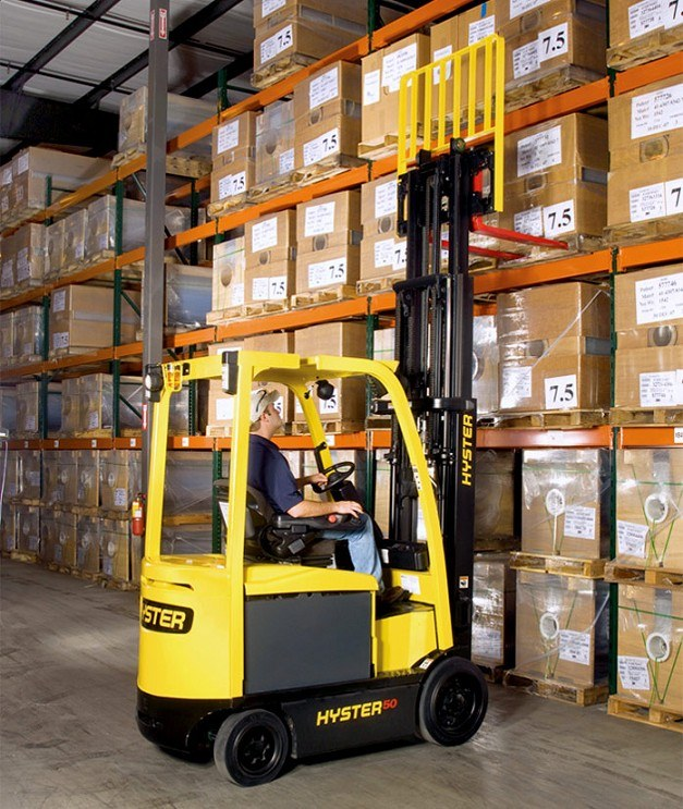Hyster battery electric forklift