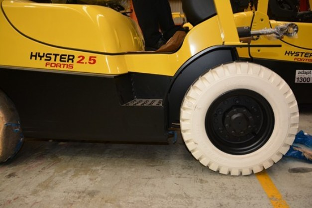 Choosing the best forklift tyre for high intensity operations