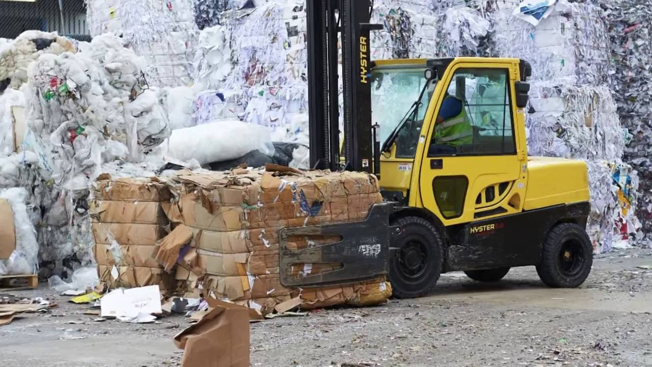 Hyster recycling plant forklift