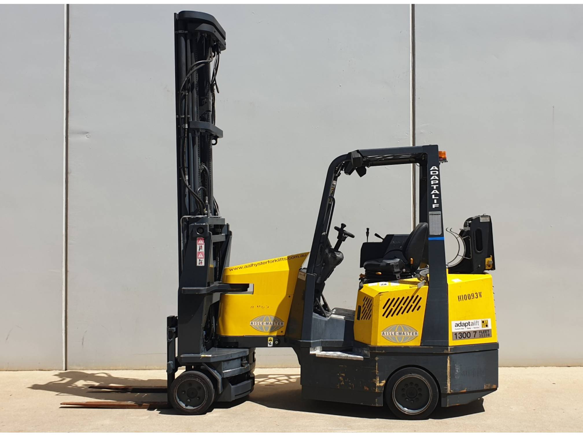 Used forklift: AISLE-MASTER 20S