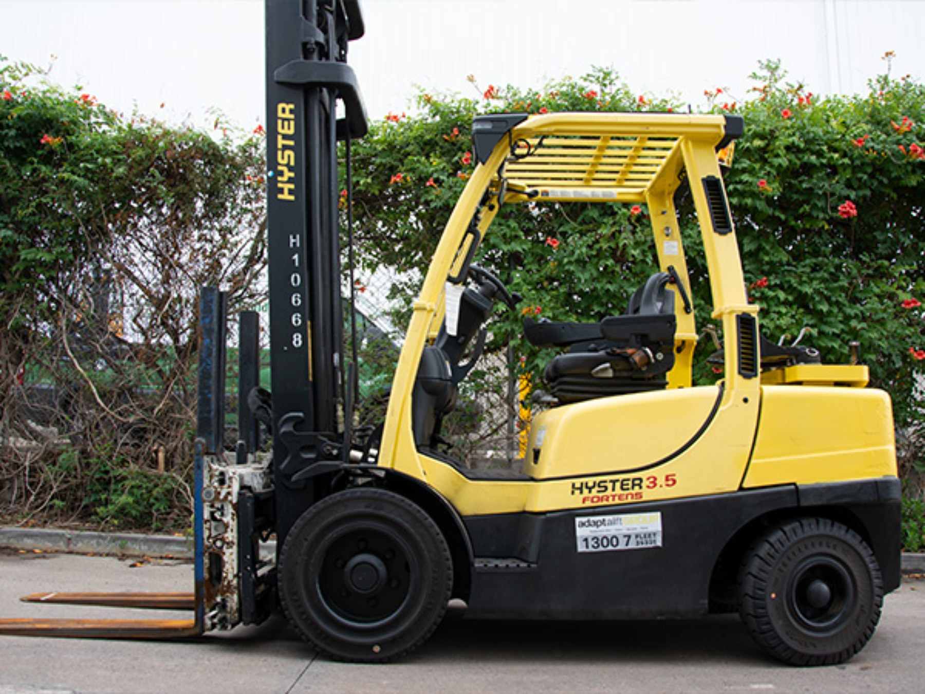 Used forklift: HYSTER H3.5FT