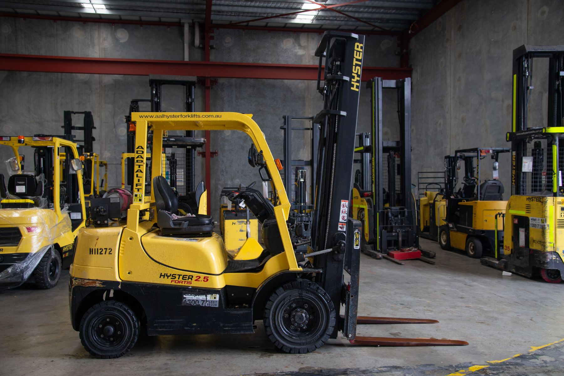 Used forklift: HYSTER H2.5TX