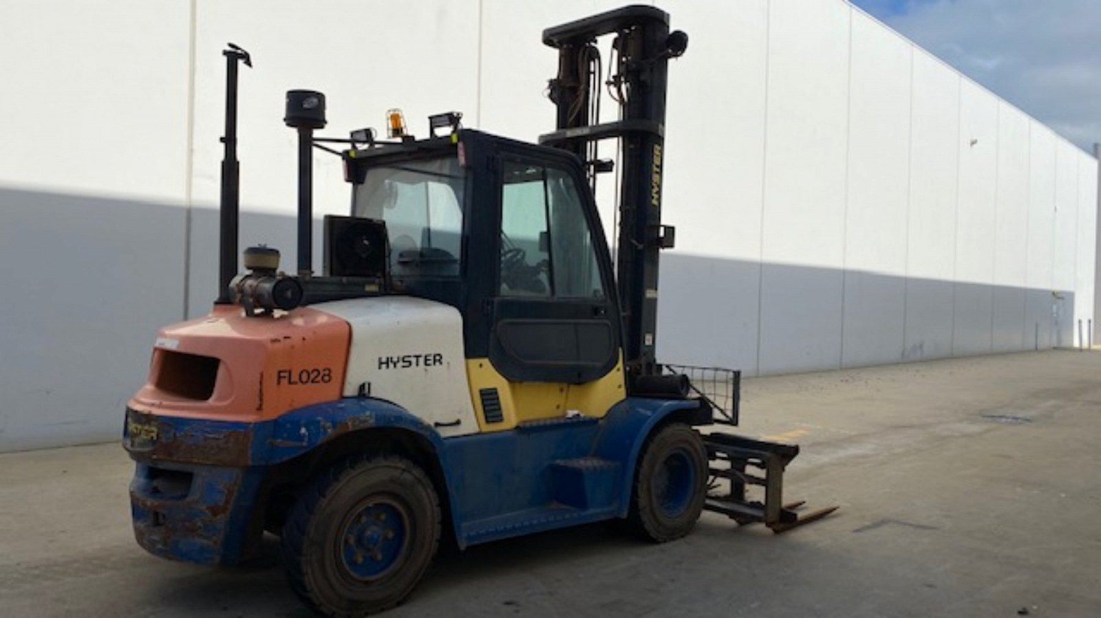 Used forklift: HYSTER H155FT