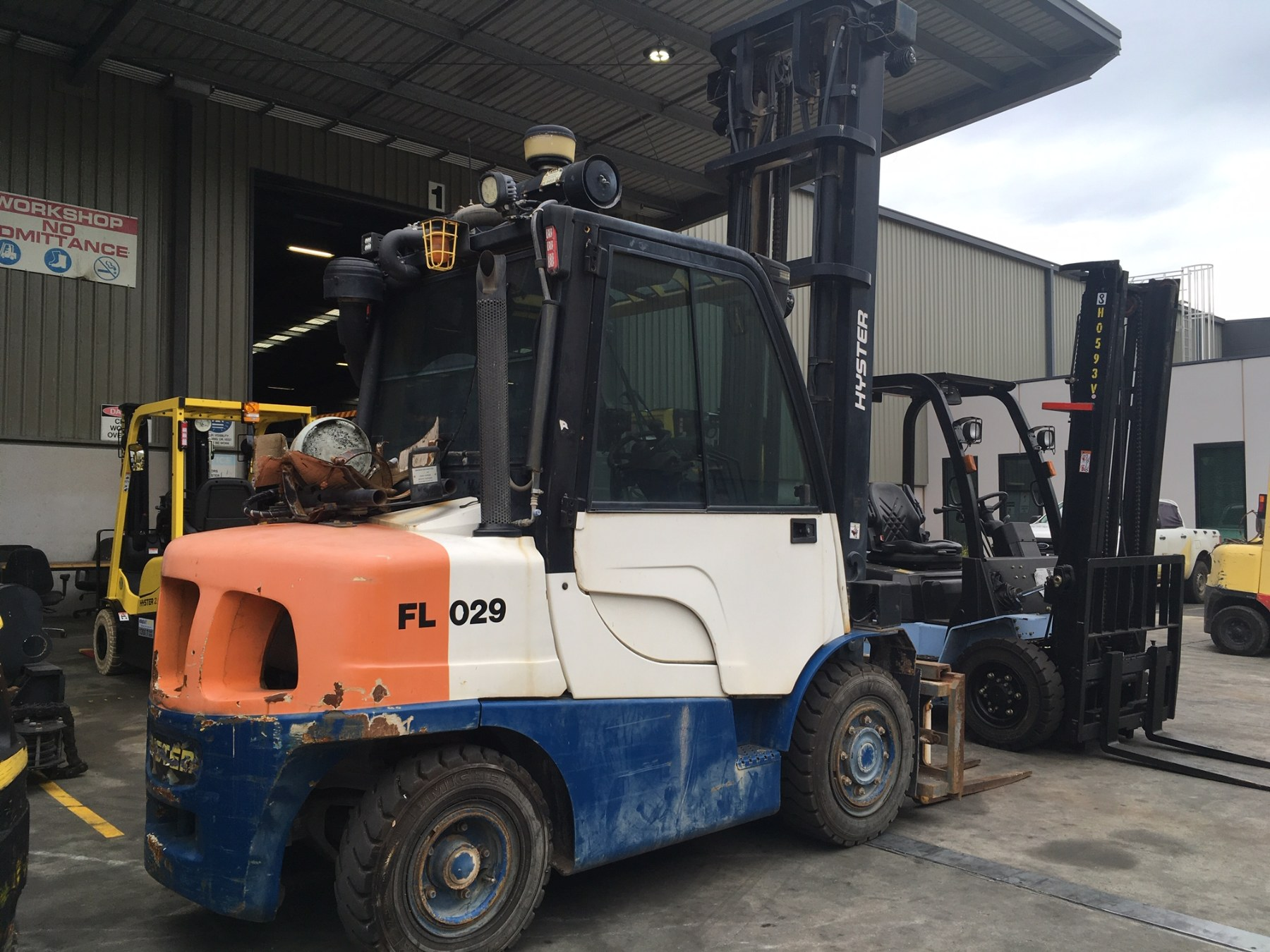 Used forklift: HYSTER H4.0FT6