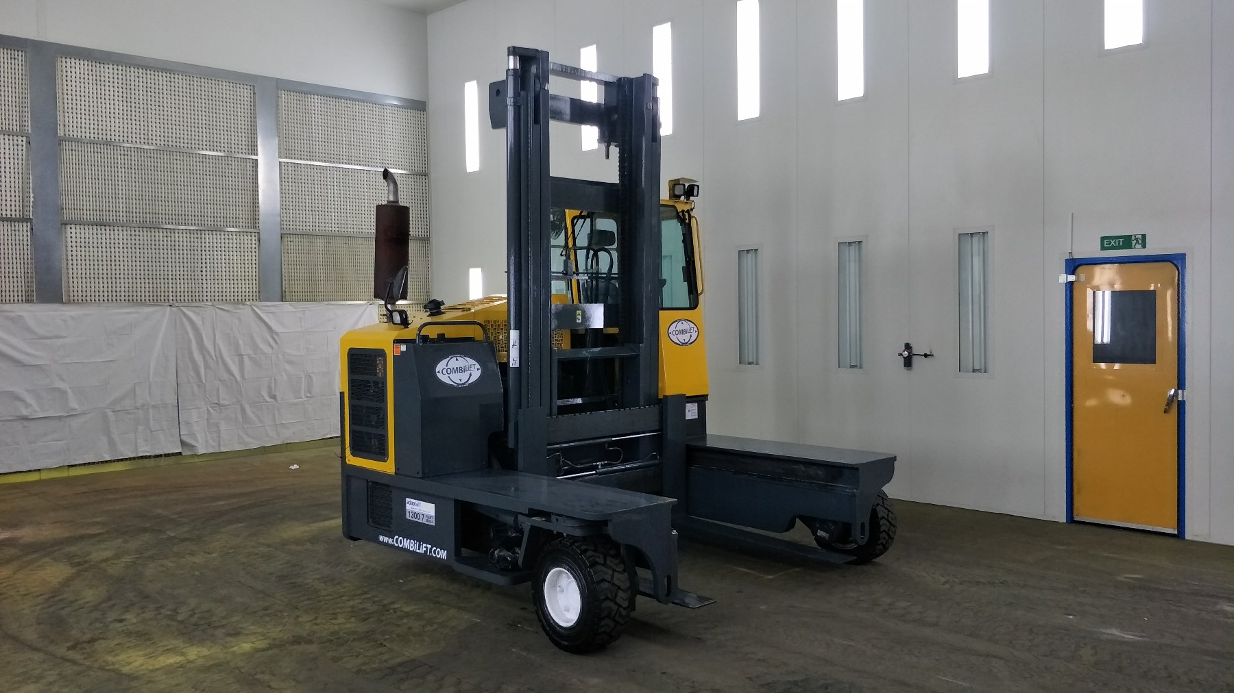 Used forklift: COMBILIFT C8000