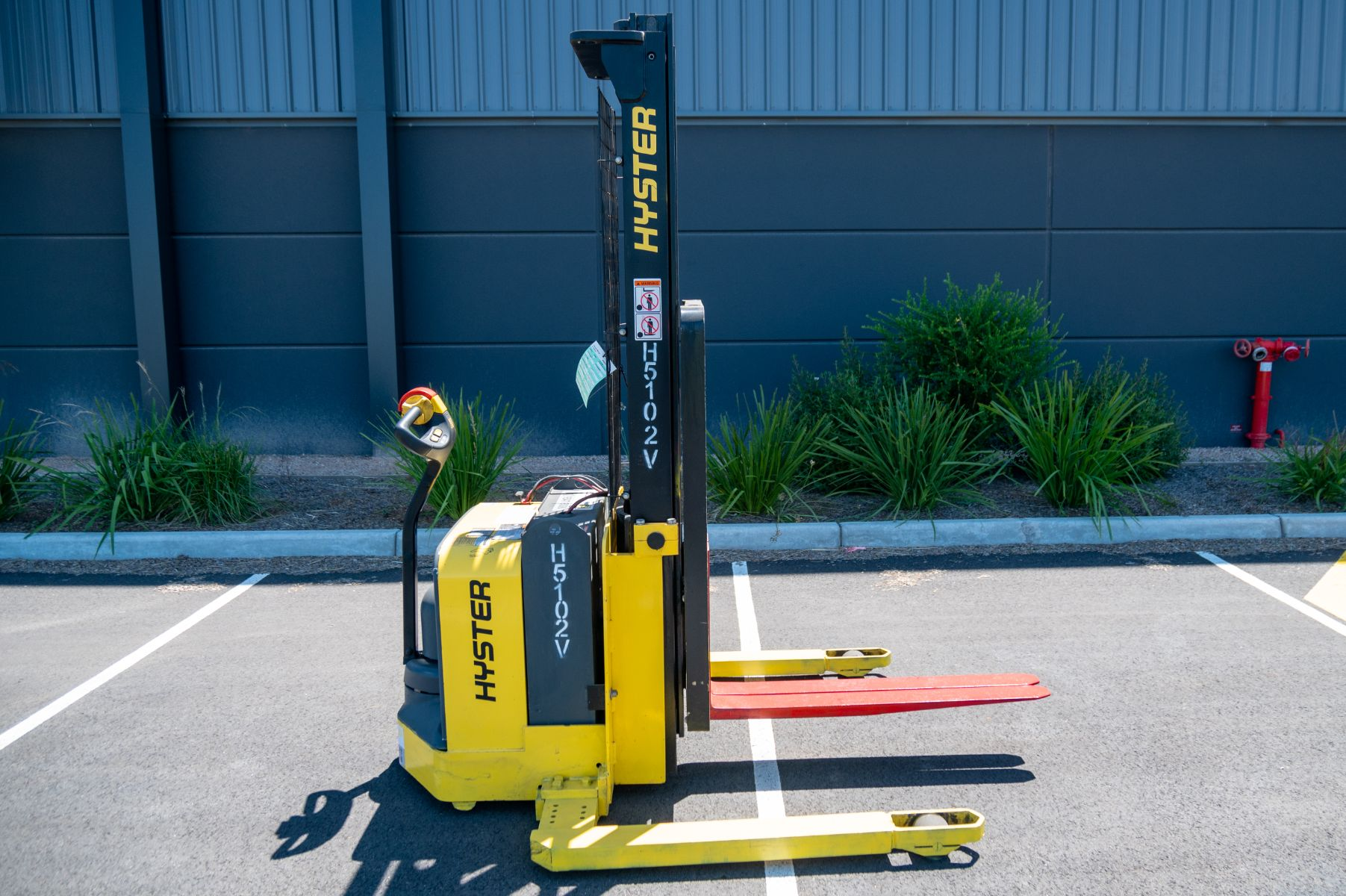 Used forklift: HYSTER W25ZA2
