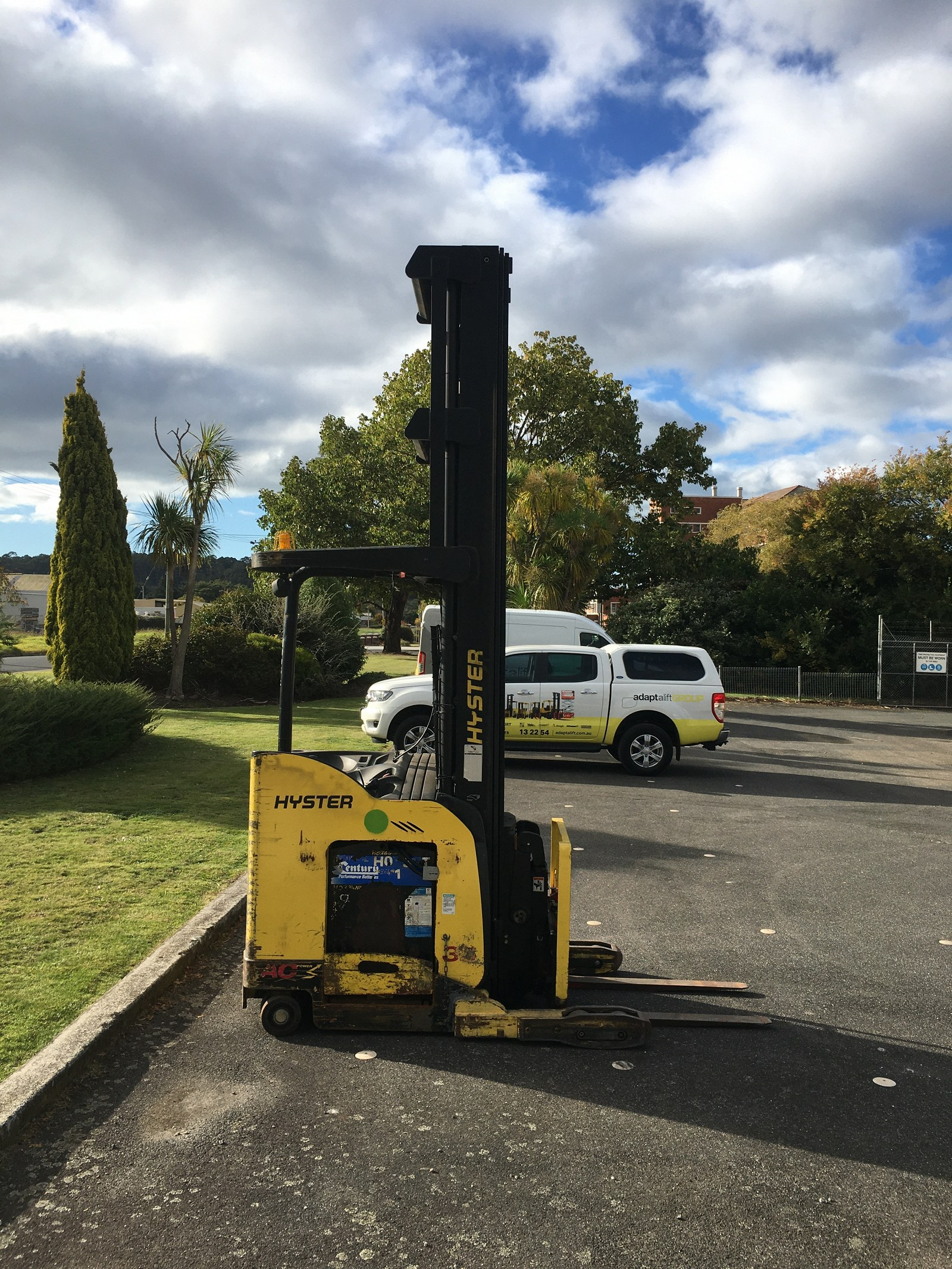 Used forklift: HYSTER N35ZDR