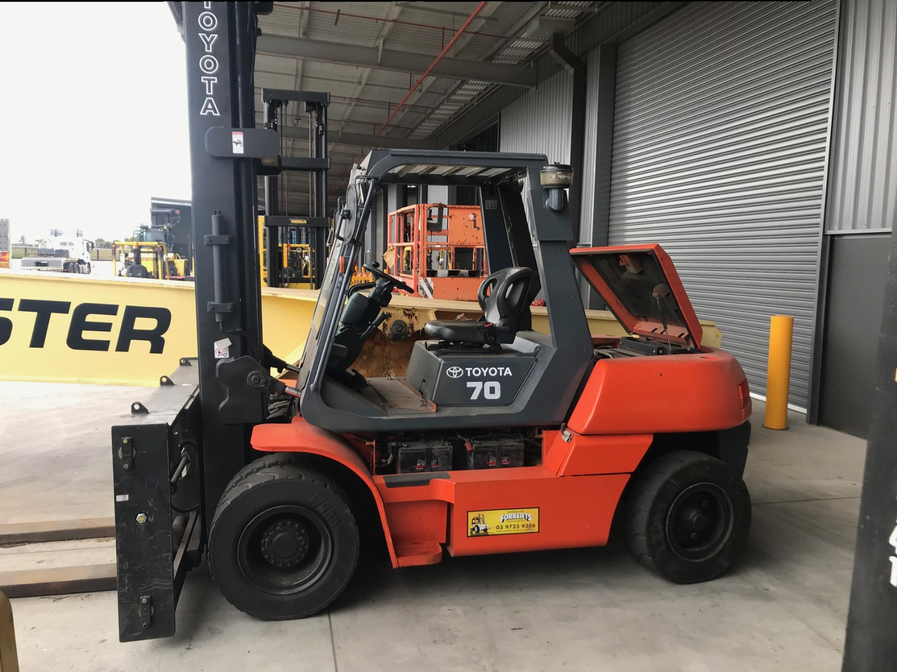Used forklift: TOYOTA 5FD70
